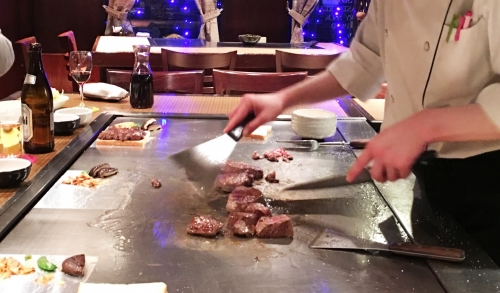 ※Urgent※【Roppongi / Ginza】High Class Steak restaurant server staff part-time job(JLPT N2 and N3 welcome!)