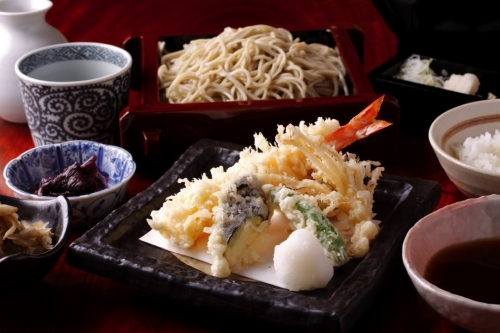 Yummy soup!! Let's spread the culture of Edo-Soba!!