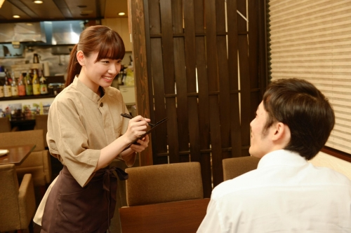 【Namba,Oosaka】Service & kitchen staff at Izakaya